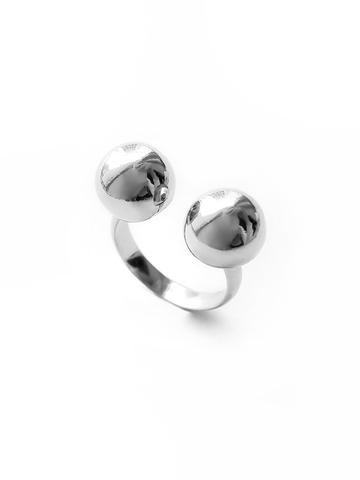 Серебряное кольцо с двумя шарами