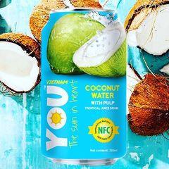 Кокосовая вода с кусочками кокоса