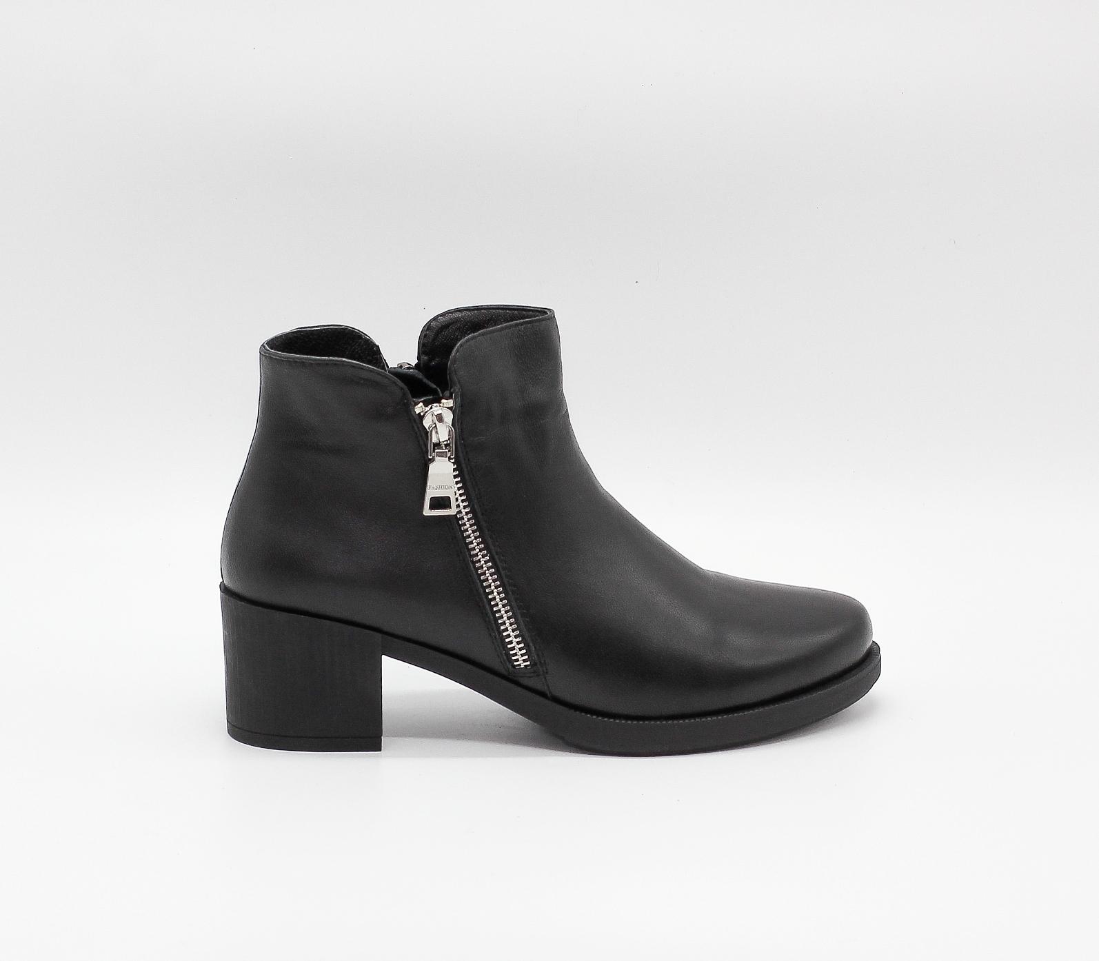 Черные кожаные ботильоны на устойчивом каблуке
