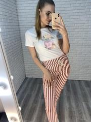 розовые брюки в полоску недорого