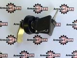 Замок решетки радиатора капота  JCB 3CX 4CX 333/C3143 на экскаватор погрузчик джисиби джэйсиби