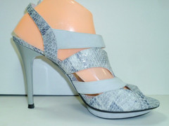 Босоножки на  высоком каблуке Veronesse 766