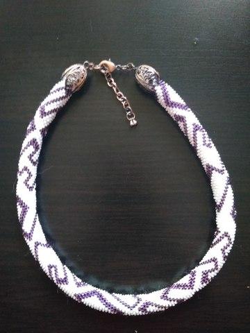 Ожерелье бело-коричневое