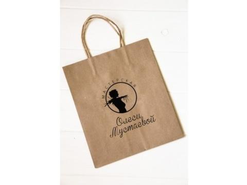 Мастерская Олеси Мустаевой, Крафт-пакет с кручеными ручками черный логотип