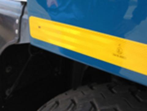 Световозвращающая пленка (лента) 3M™ серии 983 для контурной маркировки автотранспорта