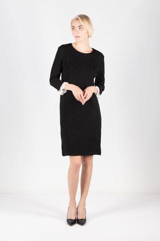 Фото фактурное черное платье с контрастными кружевными вставками на рукавах - Платье З320-243 (1)