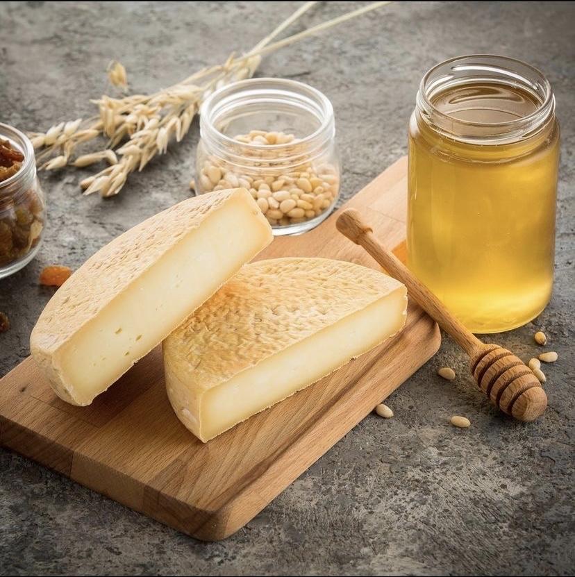 Сыр с мытой коркой Реблошон, кг