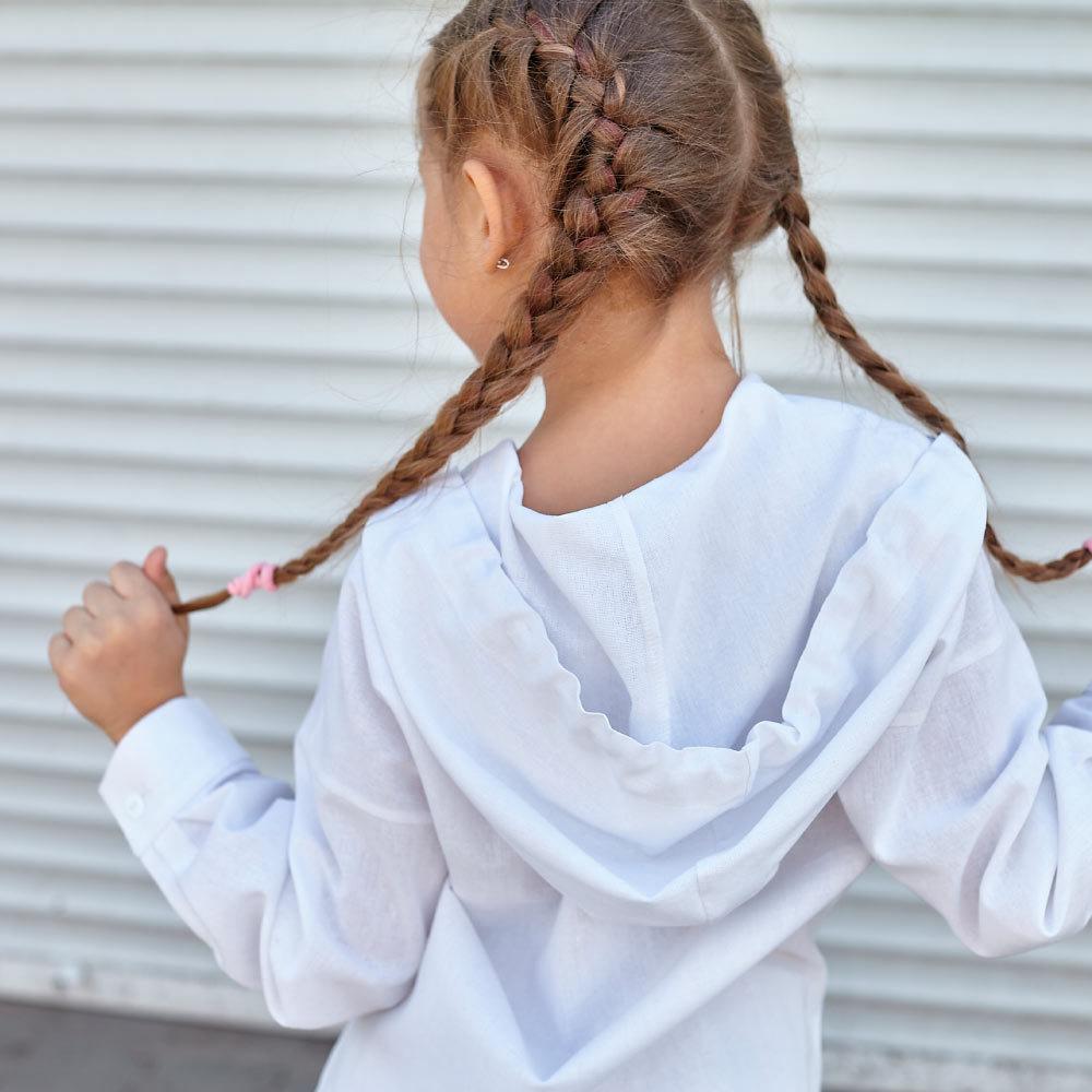 Дитячий костюм з льону для дівчаток в білому кольорі