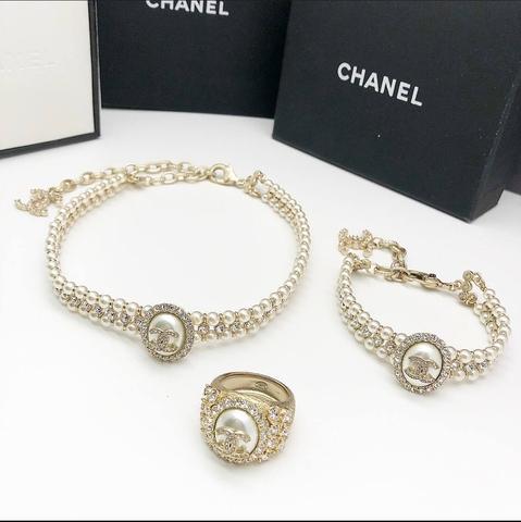 Чокер, браслет и кольцо Chanel