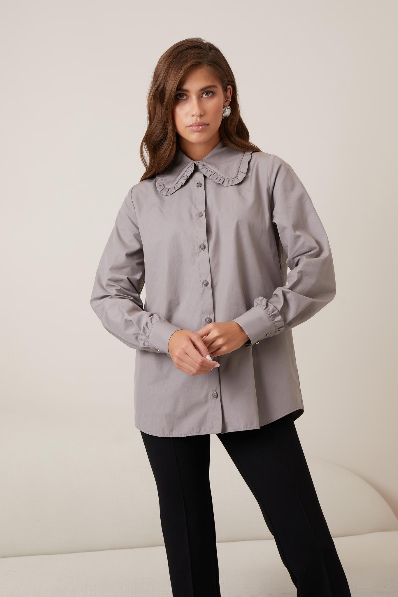 Рубашка с рюшами на воротнике и манжетах (серый)