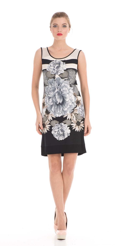 Платье З010-659 - Трикотажное платье-майка полуприлегающего силуэта с эффектным цветочным принтом.