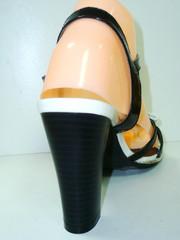 Черные босоножки с тонкими ремешками. Женские сандали на каблуке Polani - Black.