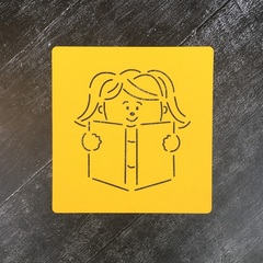 Девочка с книжкой №2