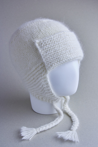 Шапочка для детей с завязками из белой ангоры, ц. молочный, р. 2-3 года, 48-50 см