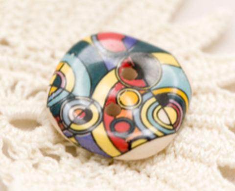 Пуговица керамическая с абстрактными узорами, цвета лимонный, зелёный, красный, средняя, размер 19 мм