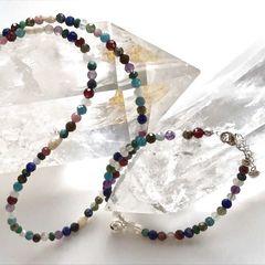 Комплект украшений из разноцветных камней - фото3