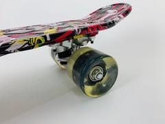 Скейтборд Граффити со светящимися колесами
