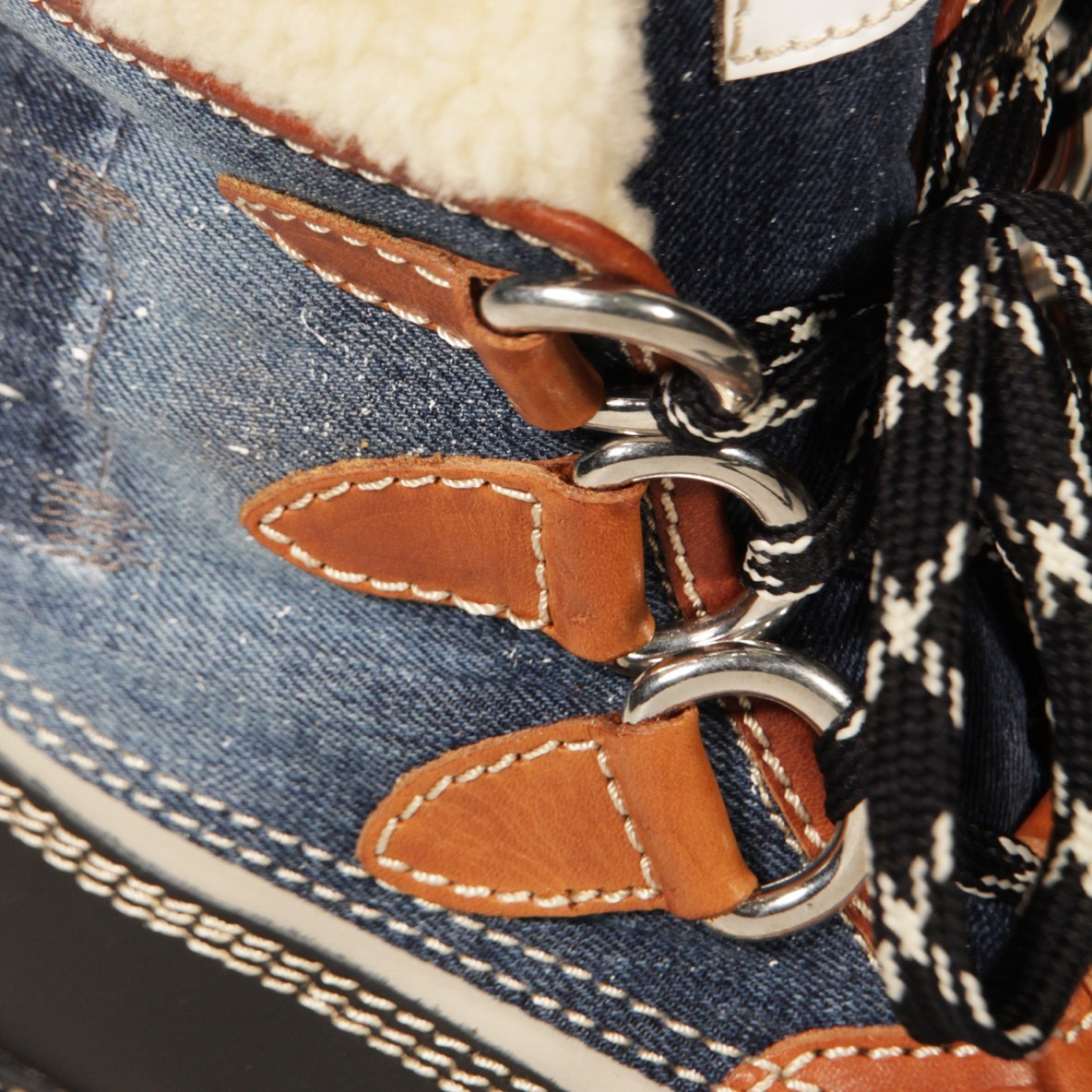 Ботинки с мехом DSQUARED2