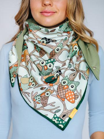 Косынка из шелка с хлопком зеленая с оливковым с совами