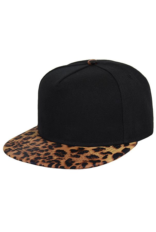 Кепка с леопардовым