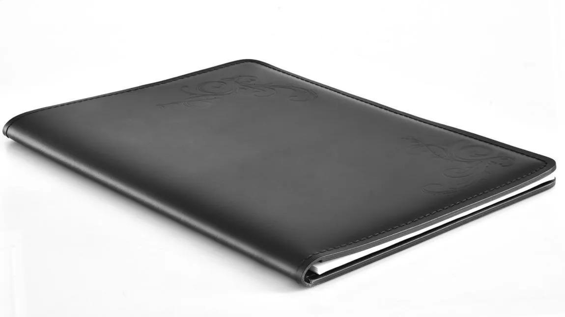 Папка под блокнот А4 серии Бизнес. Н фото лицевая сторона папки цвет кожи черный.