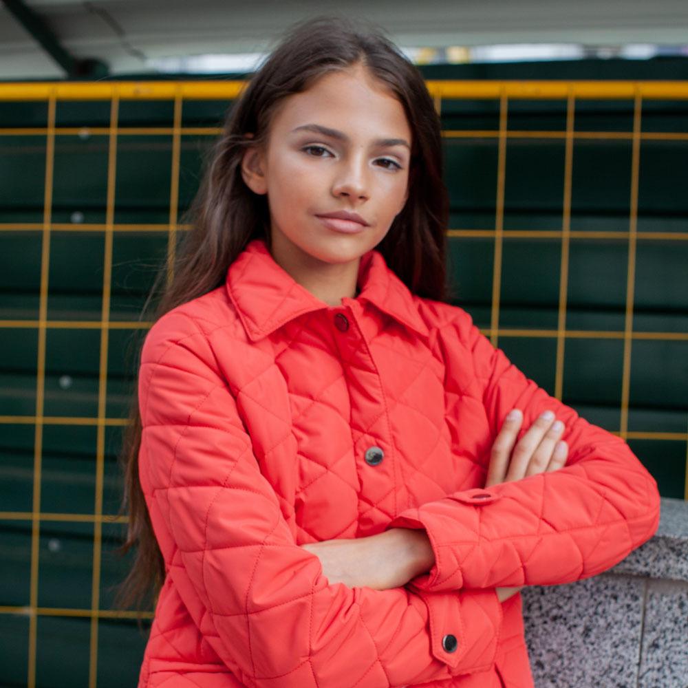 Демісезонна червона куртка на дівчинку