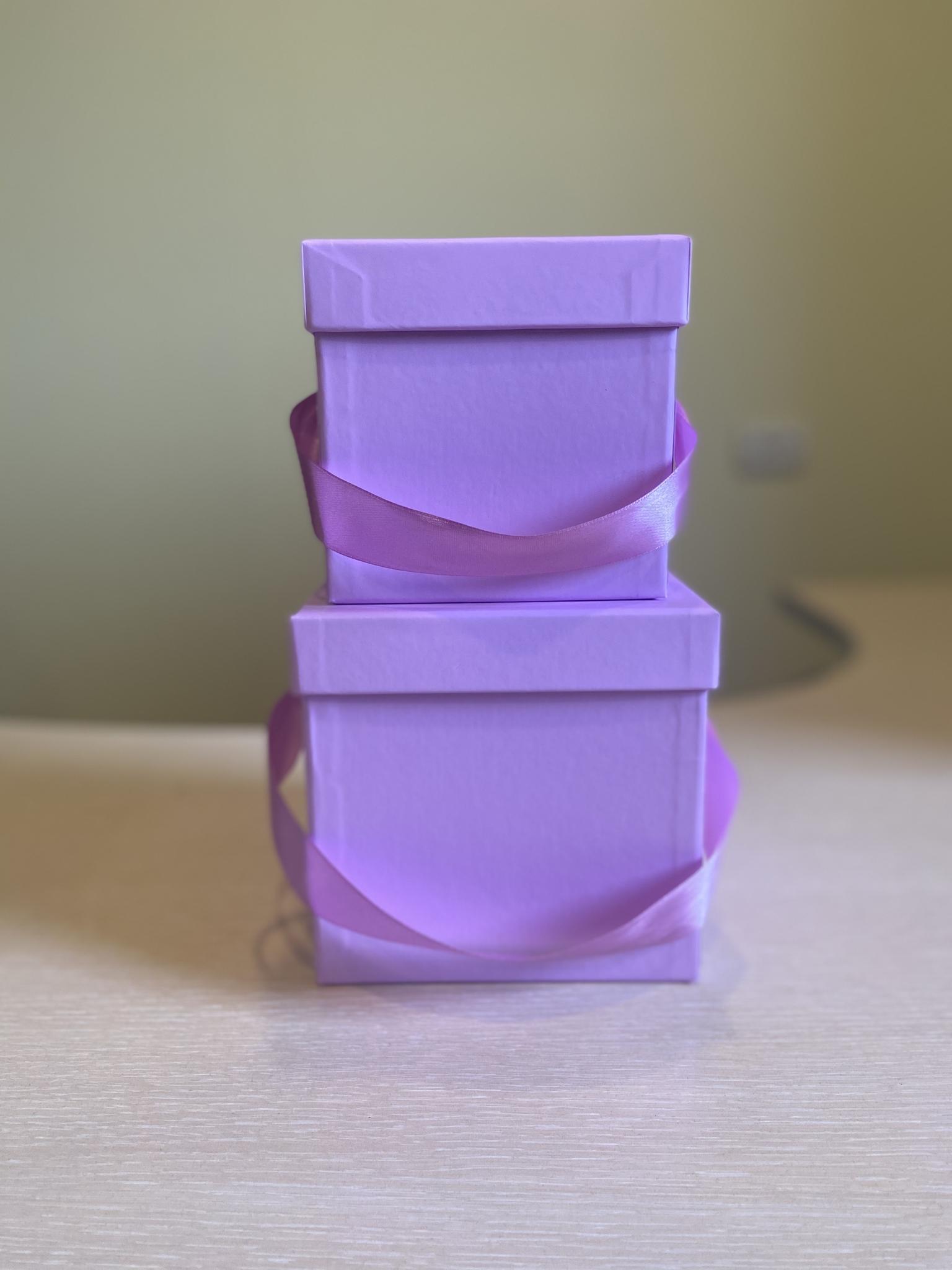 Кубическая коробка 11х11х11 см . Без крышки . Цвет: Светло лиловый . Розница 200 рублей