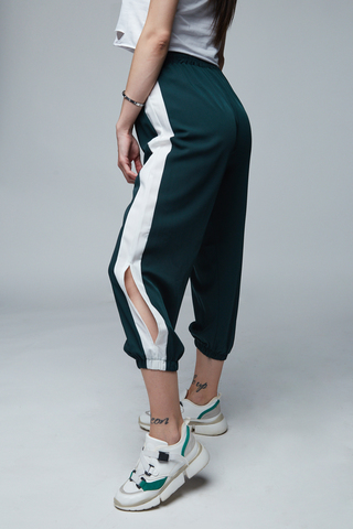 Укороченные спортивные штаны Nadya
