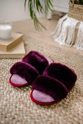 Меховые тапочки пурпурные с параллельными шлейками с текстильной стелькой светло-сиреневой (склад р-р)
