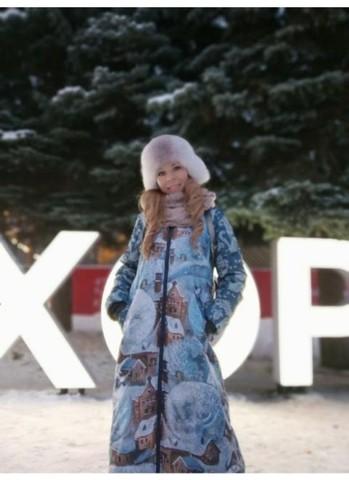 Татьяна в пальто