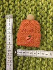 Рыжая мини-шапочка с клубничкой