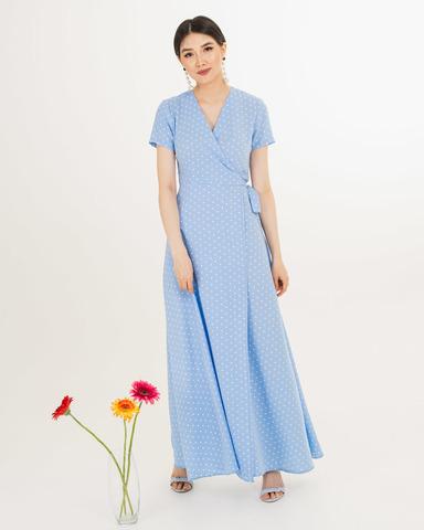 Платье на запах голубое макси