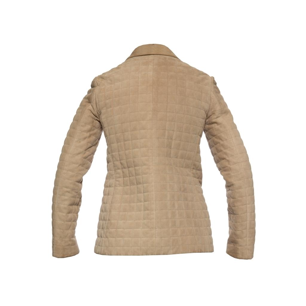 Классический замшевый жакет песочного цвета от Chanel, 36 размер.
