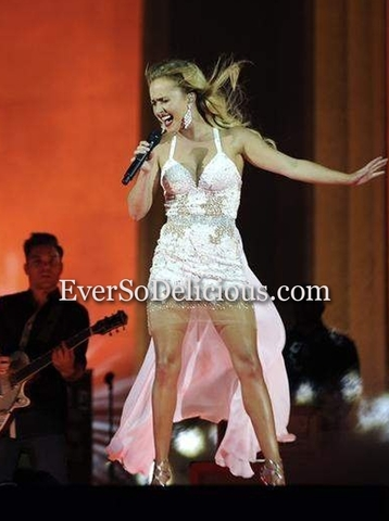 Участница сериала Nashville в платье Jovani 14338