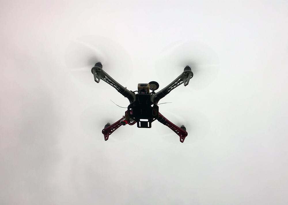Квадрокоптер Беллини v.0.3.0 в полёте