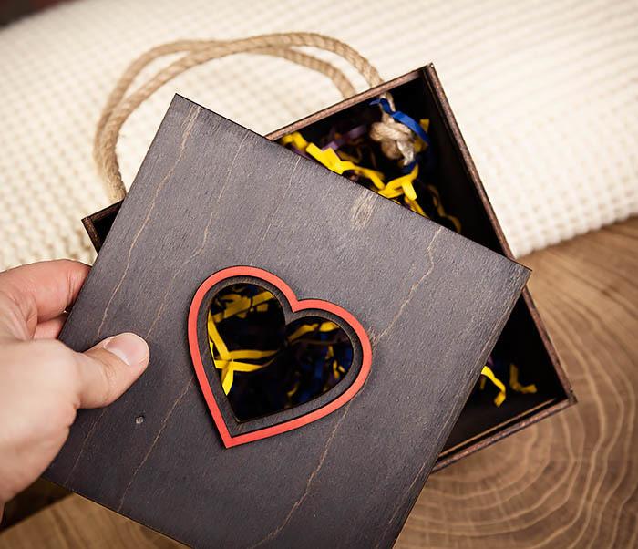 BOX210-1 Крупная подарочная коробка ко Дню святого Валентина (17*17*10 см) фото 06