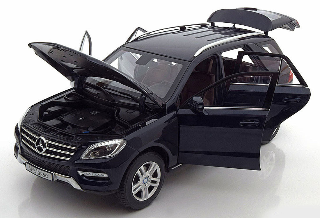 Коллекционная модель Mercedes-Benz ML 2011