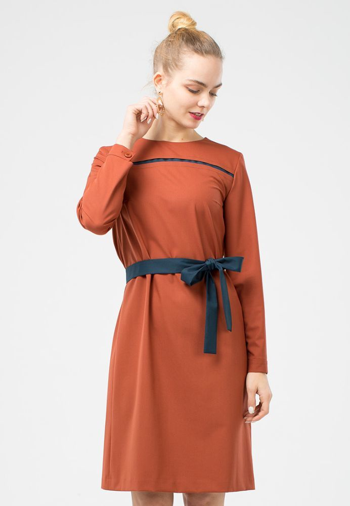 Платье З120-514 - Лаконичное и стильное платье для офиса свободной формы. Изготовлено из качественной, костюмной поливискозы в трендовом цвете. Можно обыграть тонким поясом или другими аксессуарами, а самые смелые, смогут одеть его с широкими контрастными брюками.