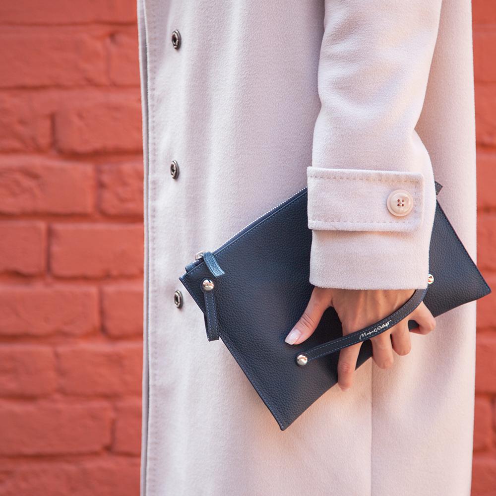 Женская сумка Julie Easy из натуральной кожи теленка, цвета синий мат