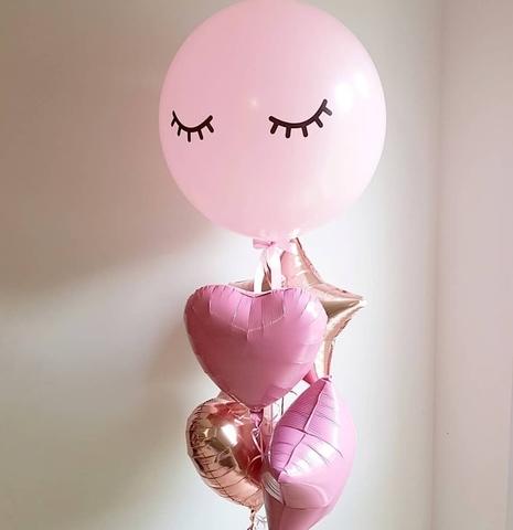 Нежный букет из воздушных шаров с розовым шаром-гигантом с глазками