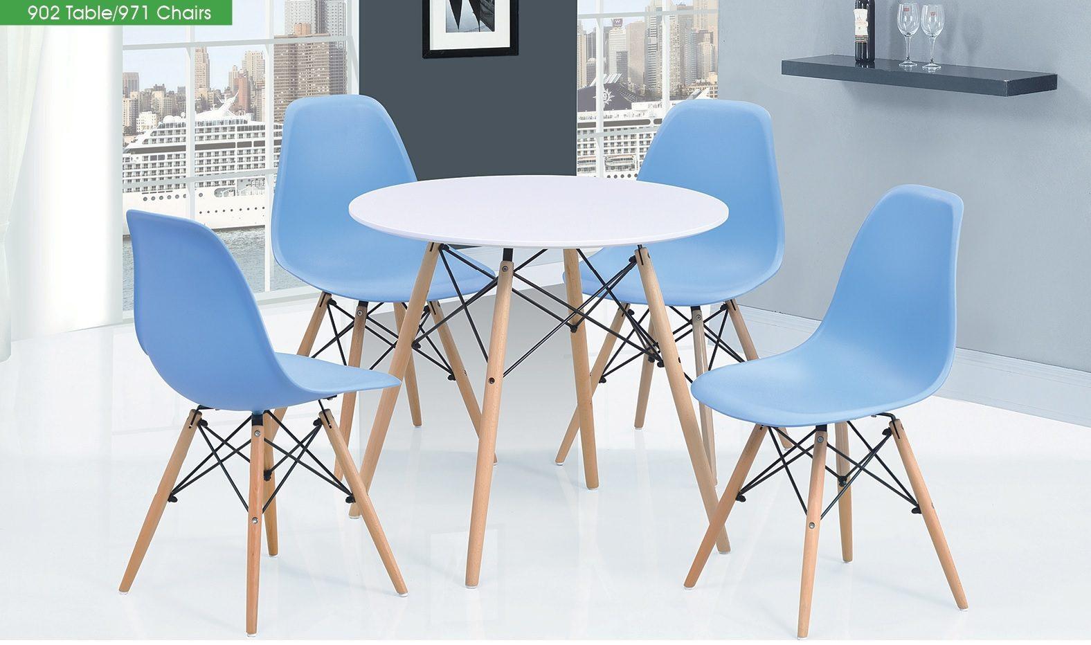 Стол DT-902 белый и стулья ESF 971 голубые