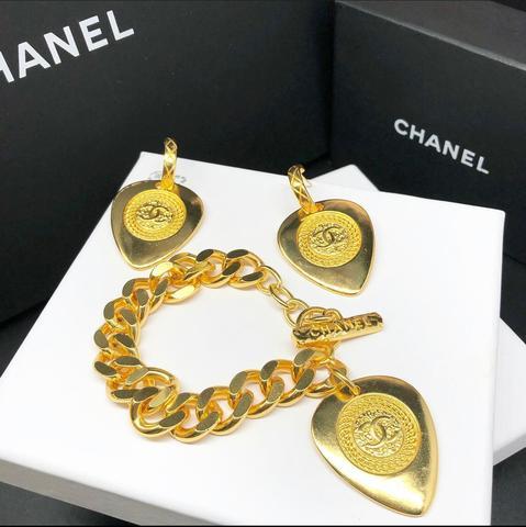 Серьги и браслет Chanel