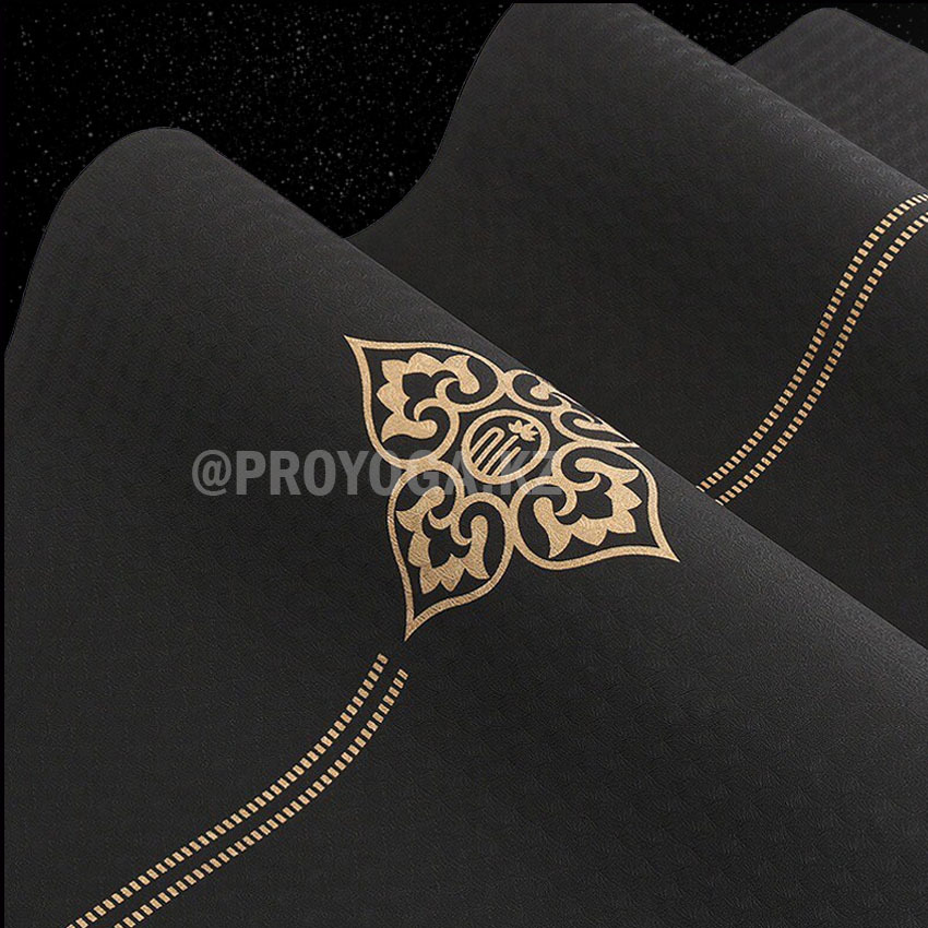 Черная - золотой цветок