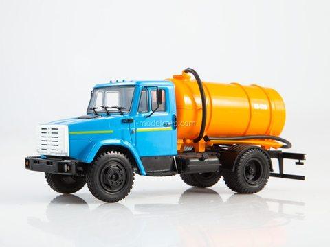 ZIL-4333 KO-520 lavatory truck blue-orange 1:43 Legendary trucks USSR #5