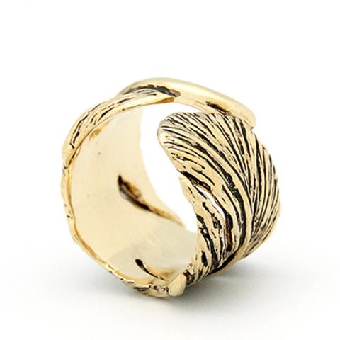 Кольцо Перо (золотое с черным)