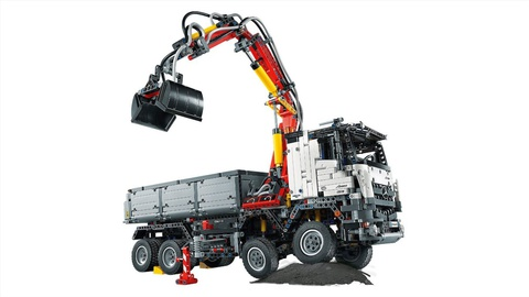 LEGO Technic: Mercedes-Benz Arocs 3246 42043 — Мерседес-Бенц Арокс — Лего Техника