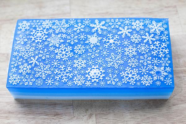 Мыло со снежинками. Текстурный лист