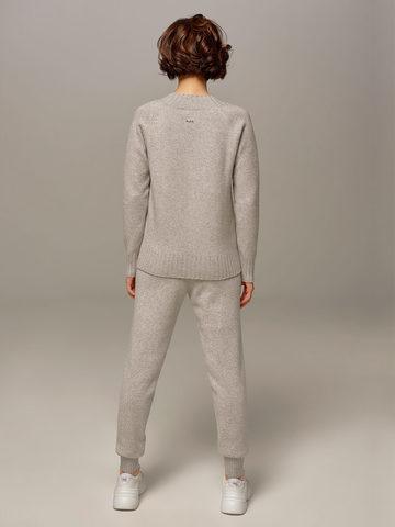 Женский джемпер светло-серого цвета из шерсти и кашемира  - фото 3