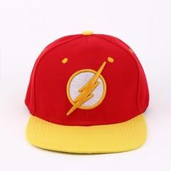 Кепка с логотипом супер героя Flash (Бейсболка Флэш) красная с желтым козырьком