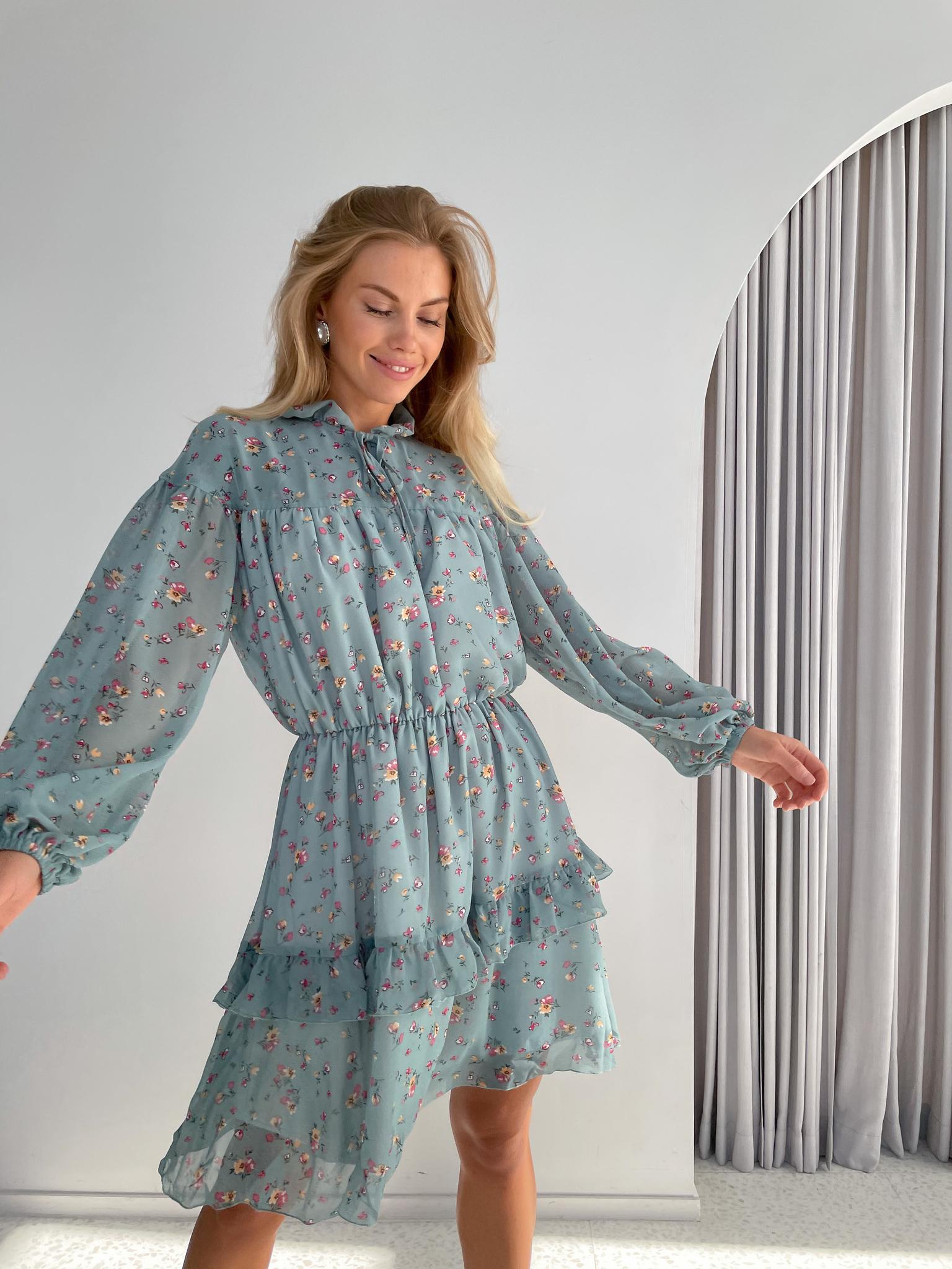 Мини-платье из шифона (цветы на голубом)